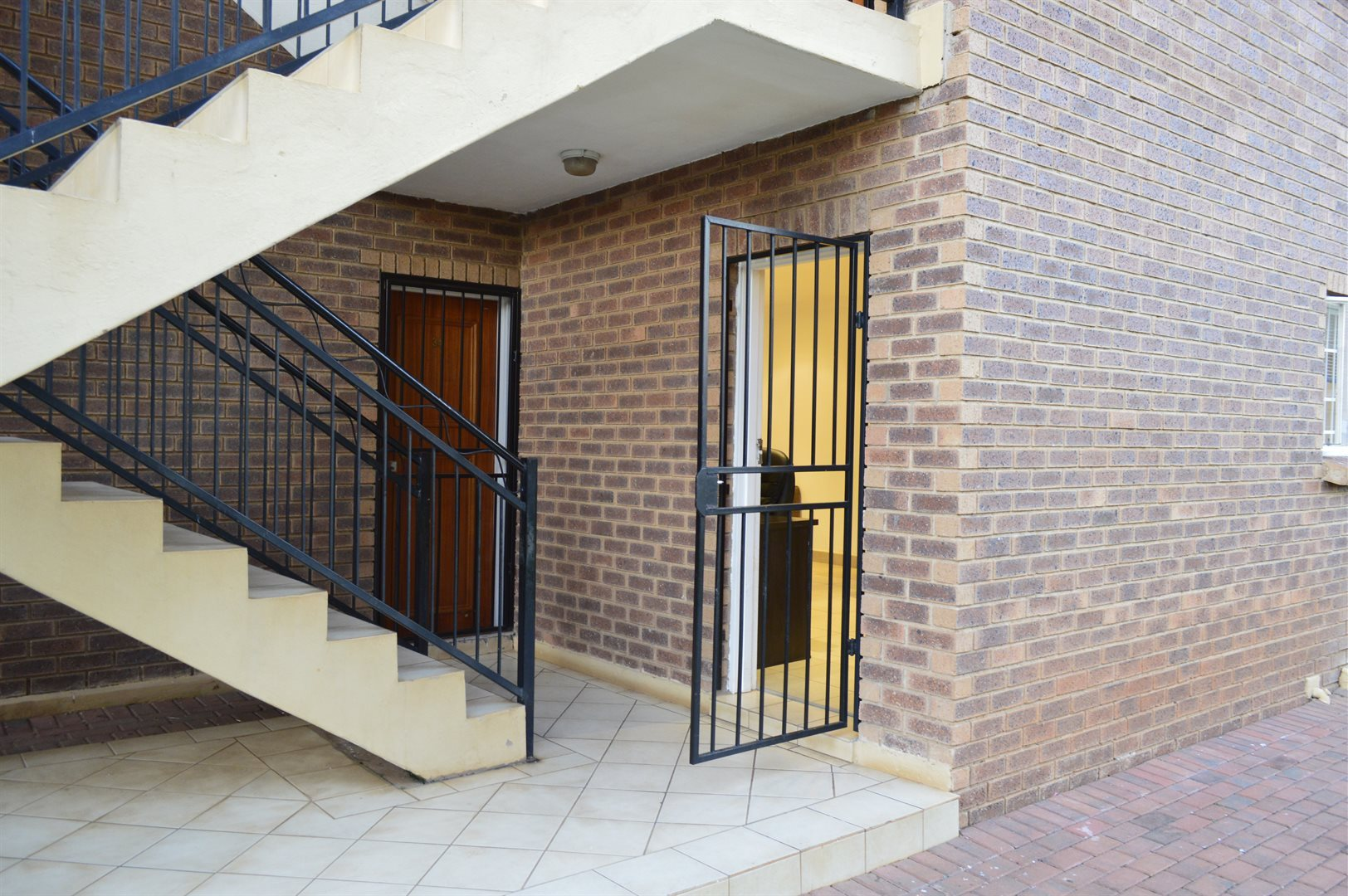 Property and Houses for sale in Glen Lauriston, Apartment, 3 Bedrooms - ZAR 1,195,000