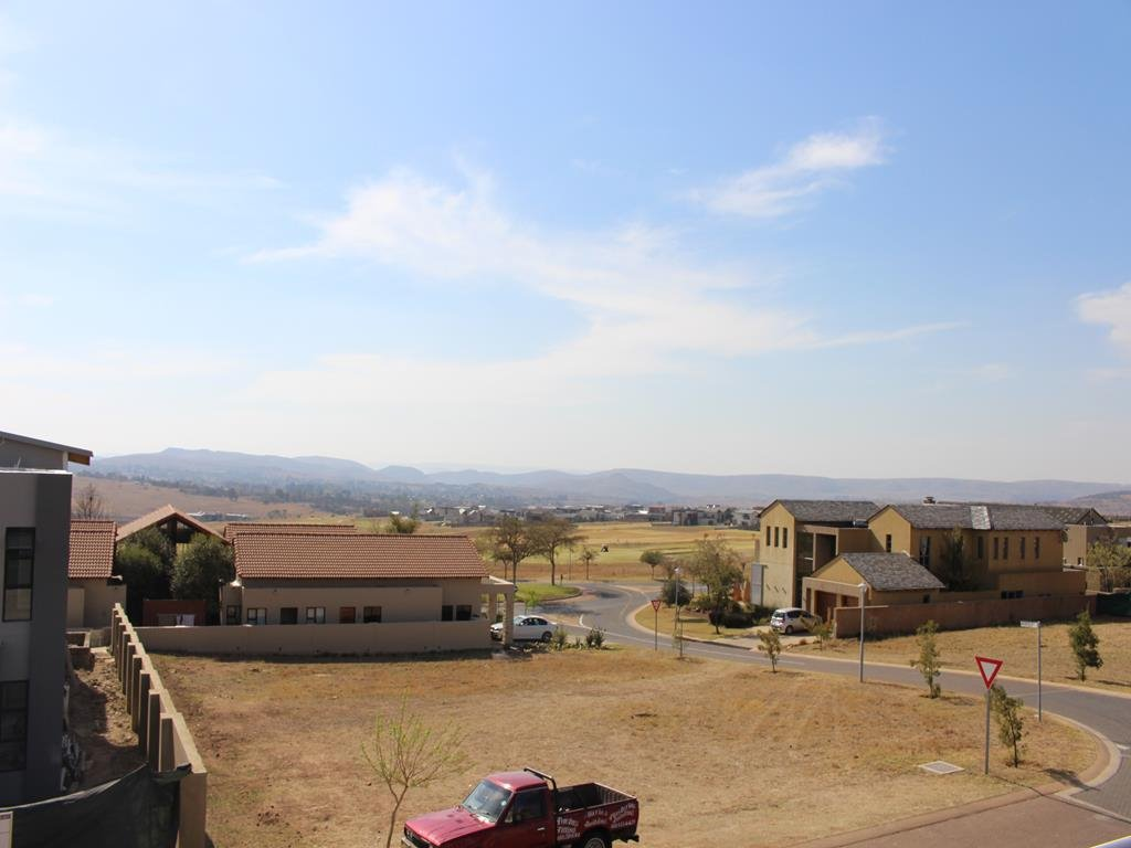 Copperleaf Estate property for sale. Ref No: 13382540. Picture no 17