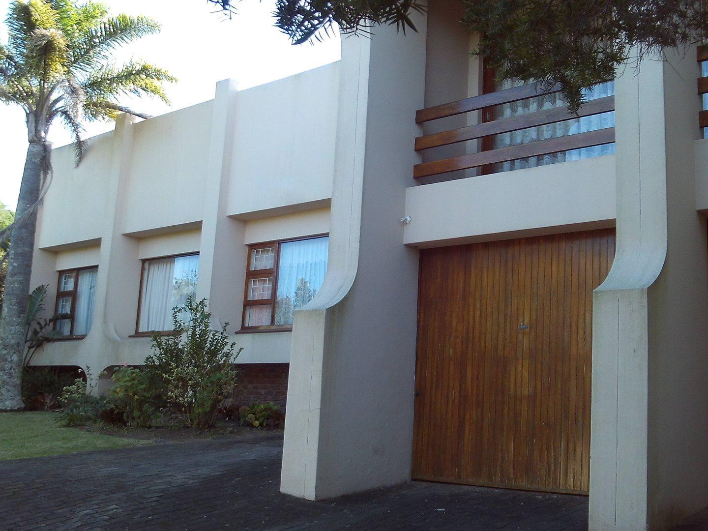 Property for Sale by DLC INC. ATTORNEYS Teresa De La Querra, House, 4 Bedrooms - ZAR 1,975,000