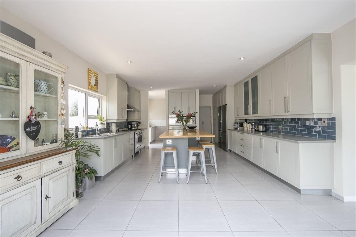 Dainfern Golf Estate property for sale. Ref No: 13423253. Picture no 7