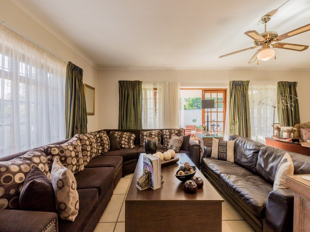 Franschhoek property for sale. Ref No: 13353946. Picture no 6