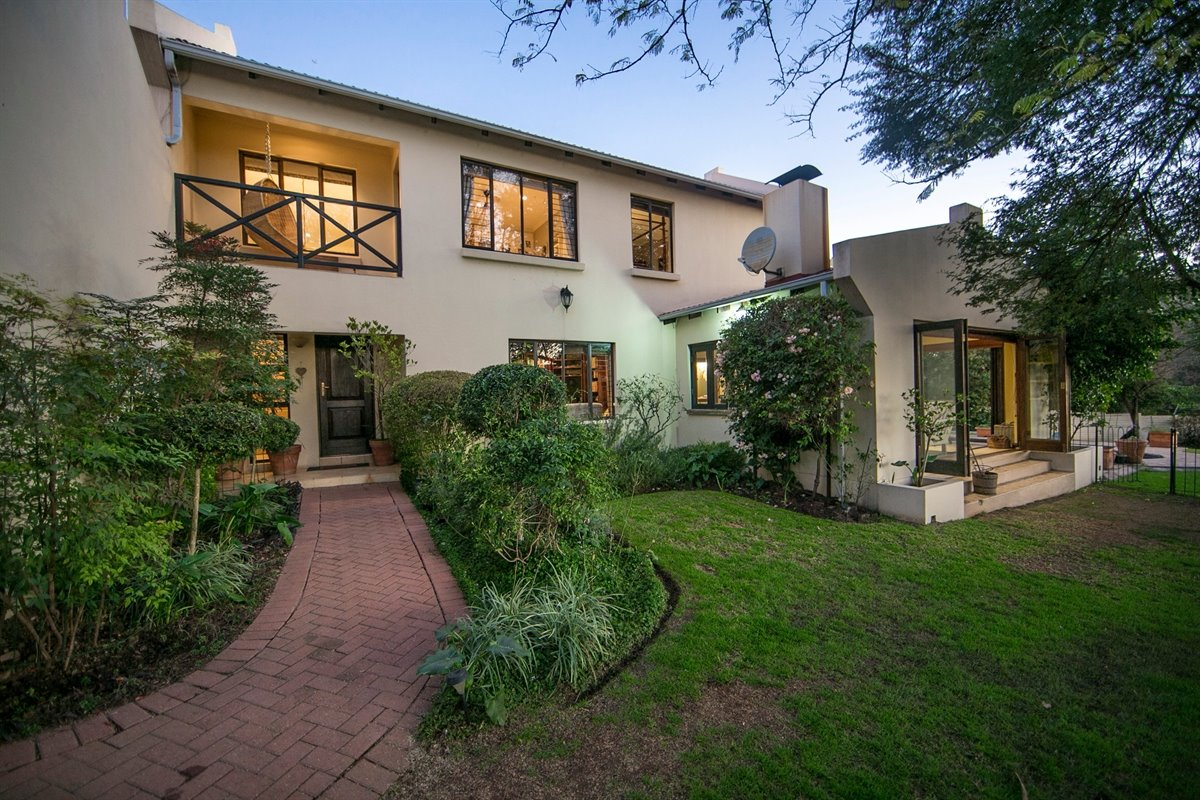 Fourways property for sale. Ref No: 13450350. Picture no 4
