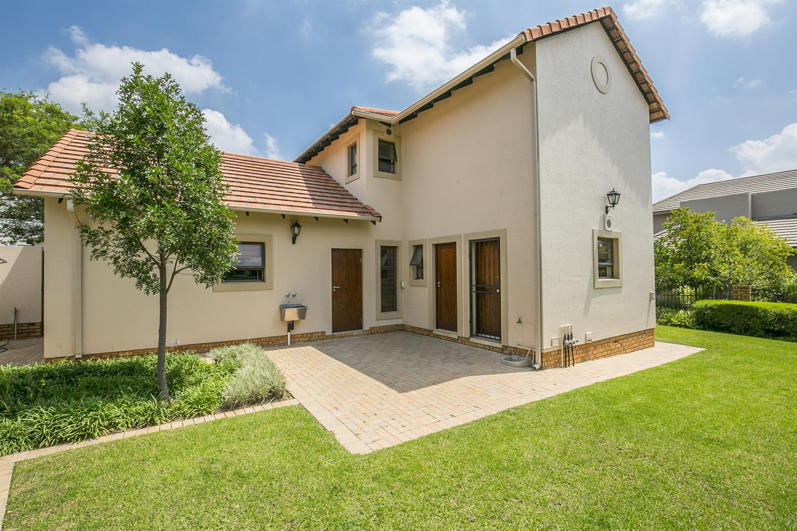Fourways property for sale. Ref No: 13458374. Picture no 2