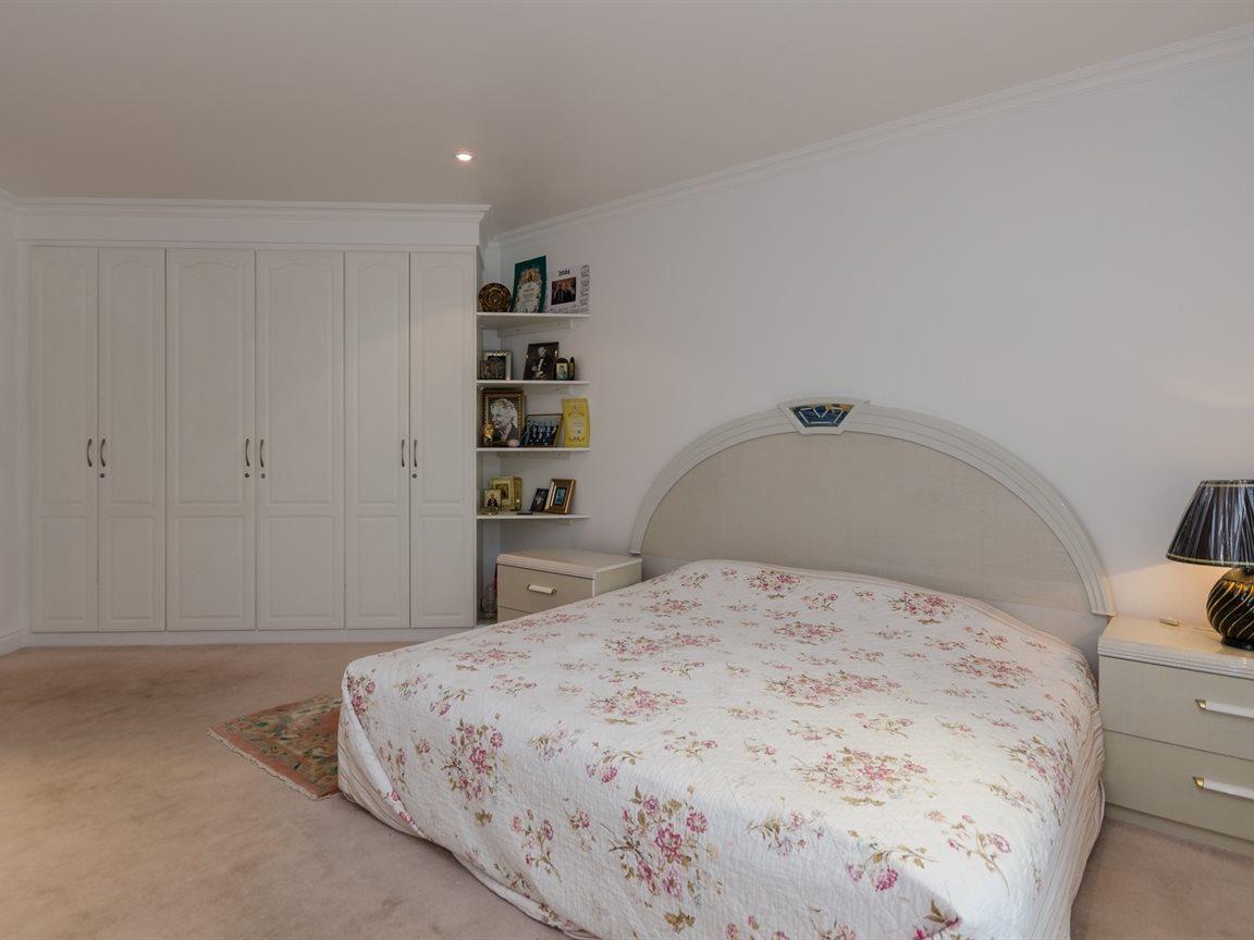 Bryanston property for sale. Ref No: 13418612. Picture no 19