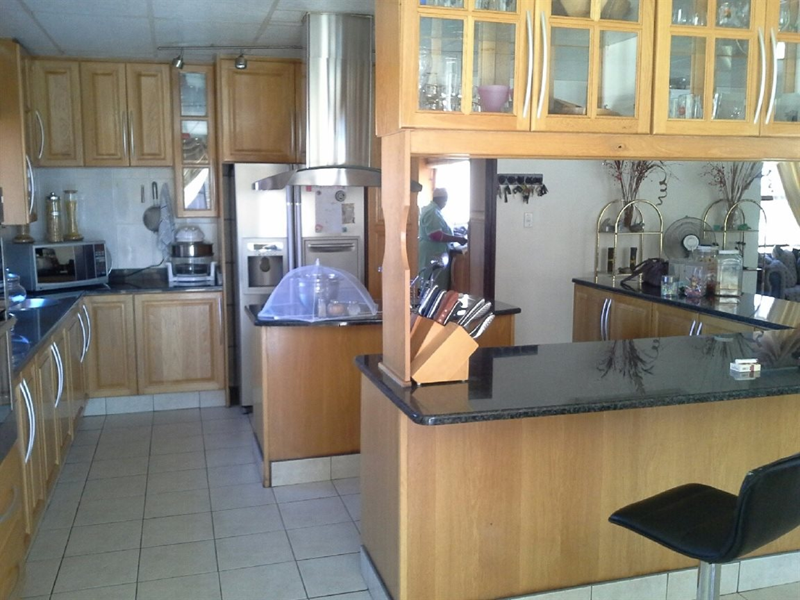 Heilbron property for sale. Ref No: 12764559. Picture no 2