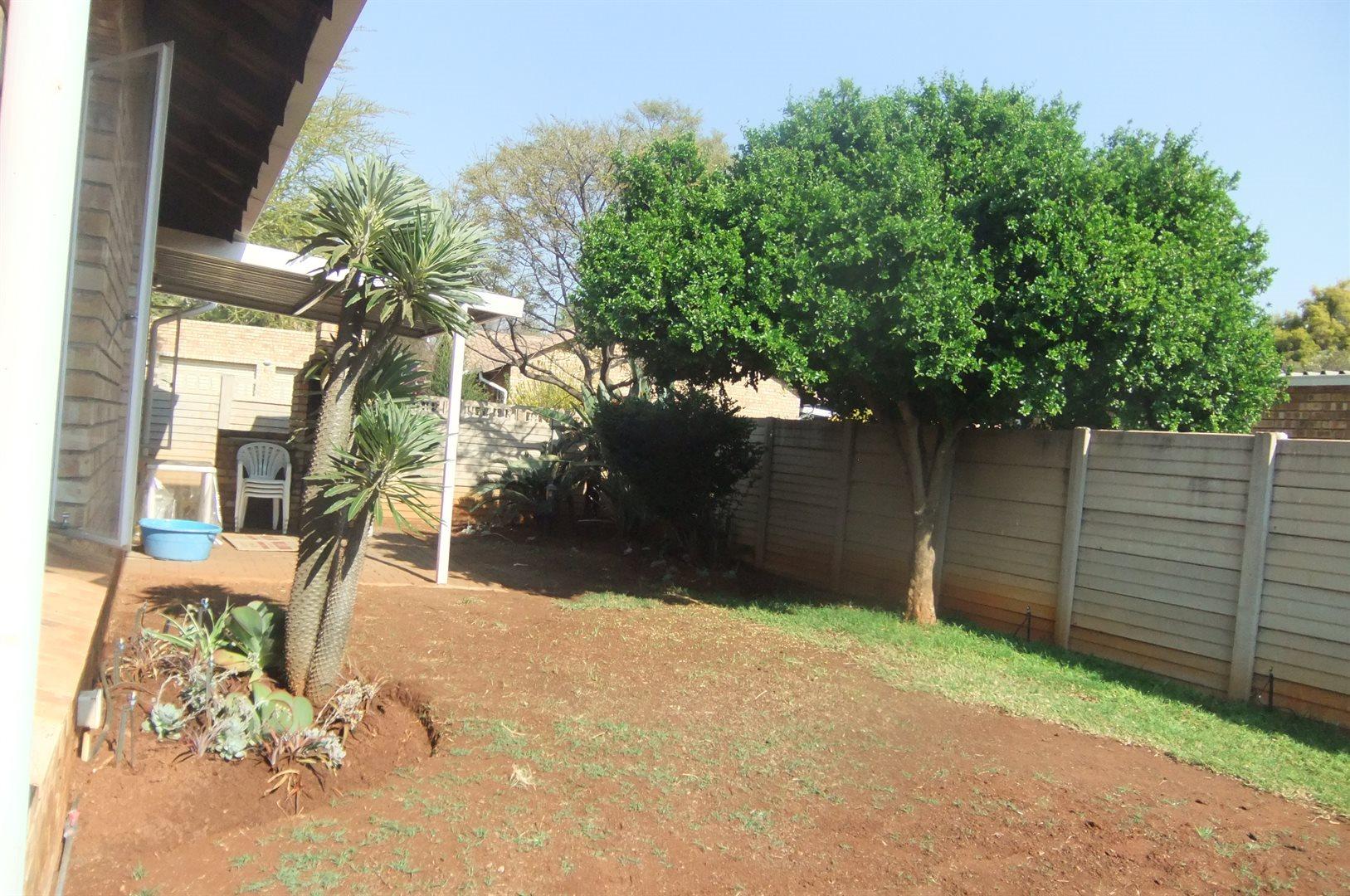 Doornpoort property for sale. Ref No: 13529208. Picture no 16