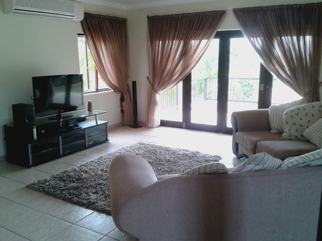Uvongo property for sale. Ref No: 13272815. Picture no 9