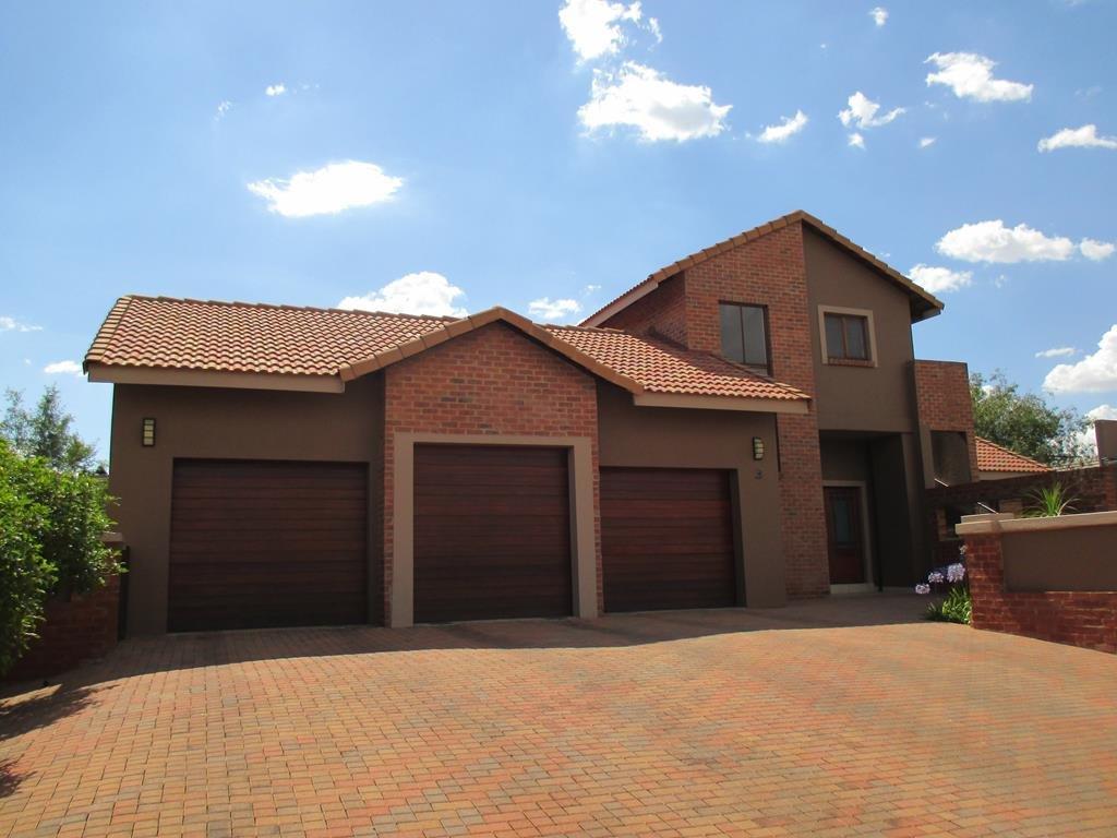 Centurion midlands estate property houses for sale for Centurion homes