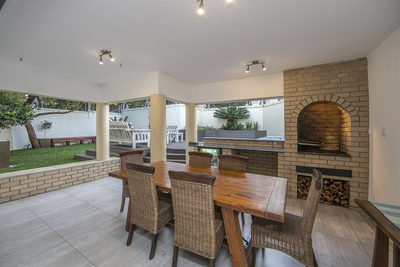 Lonehill property for sale. Ref No: 13482733. Picture no 16