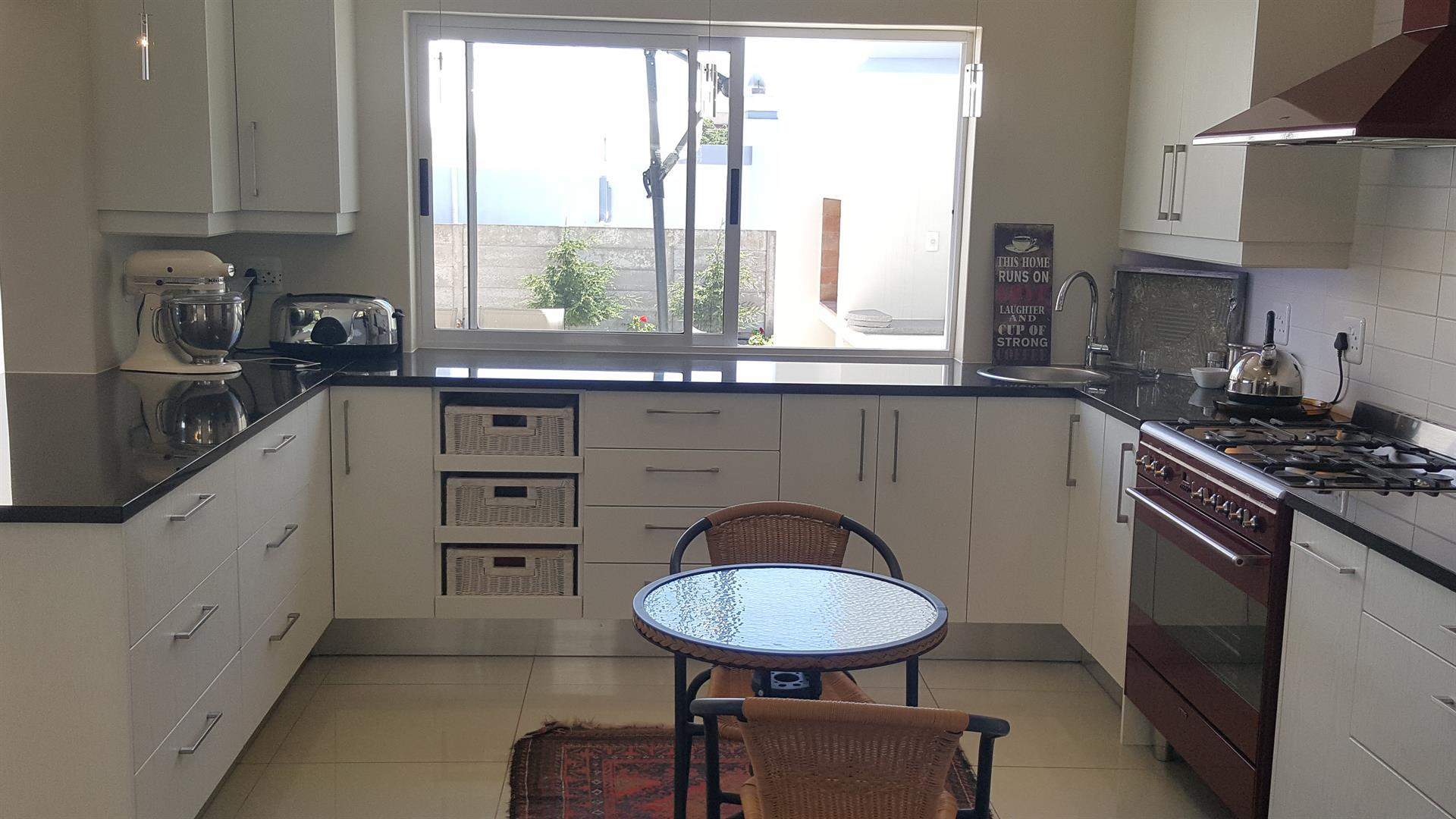 Yzerfontein property for sale. Ref No: 13454156. Picture no 17