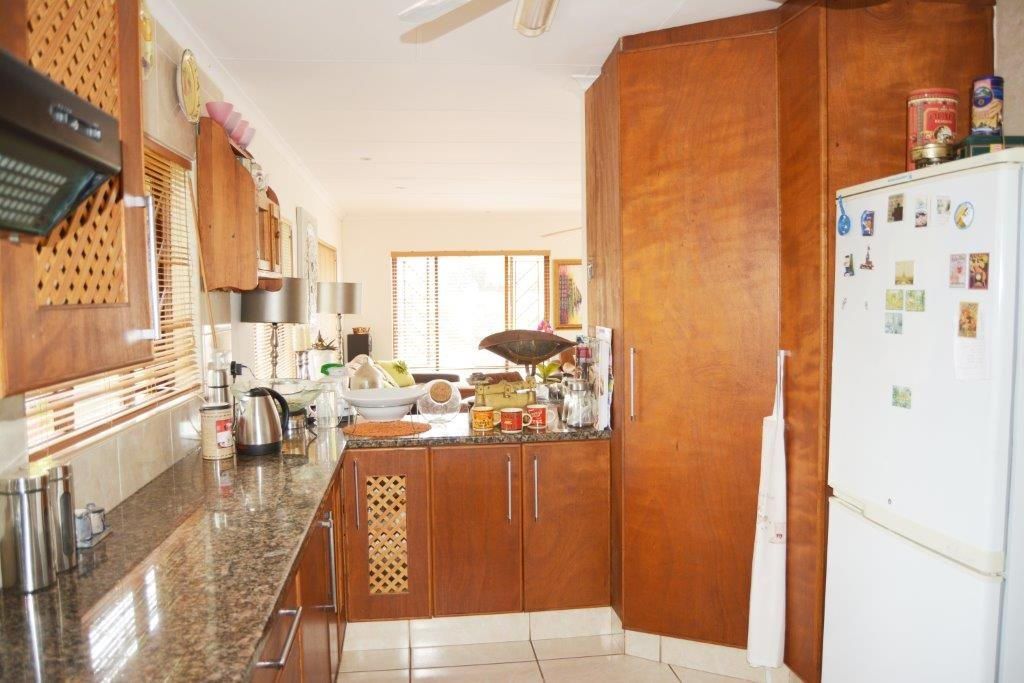 Margate property for sale. Ref No: 12779071. Picture no 6