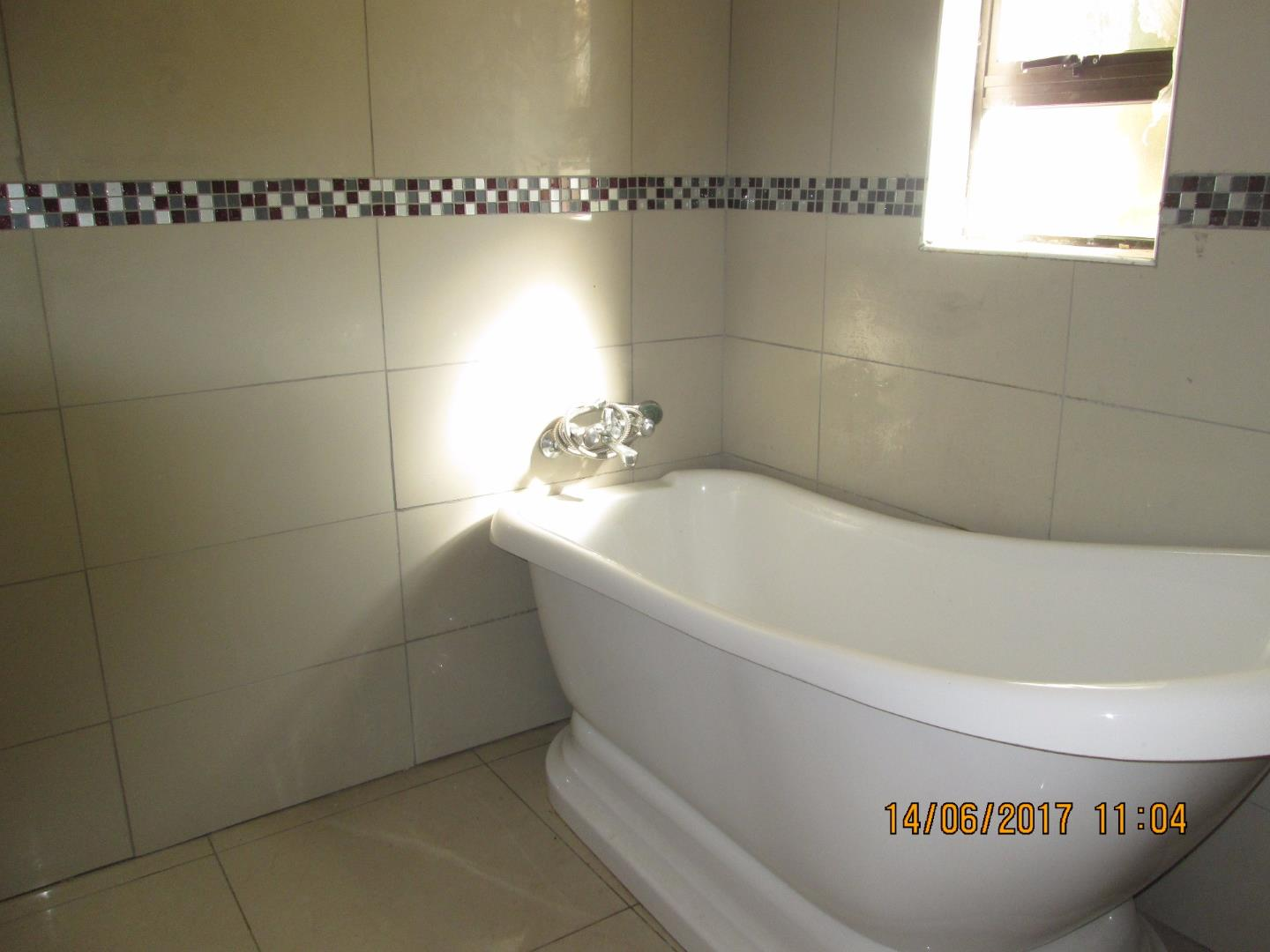 Mondeor property for sale. Ref No: 13526240. Picture no 9
