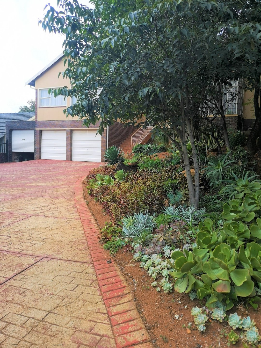 Property and Houses for sale in South Crest, House, 4 Bedrooms - ZAR 1,599,000