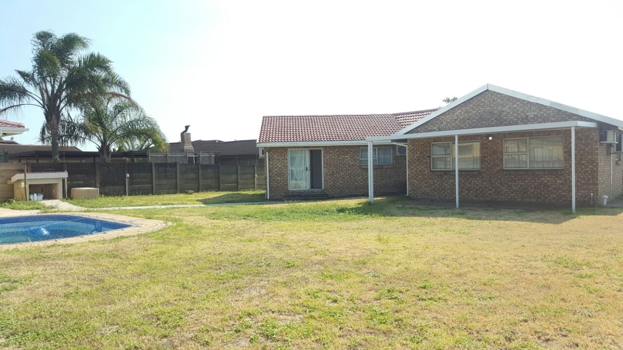 Birdswood property to rent. Ref No: 13429792. Picture no 4