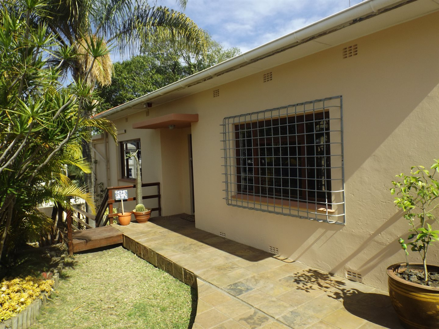 Property for Sale by DLC INC. ATTORNEYS Henry Sutherland, House, 5 Bedrooms - ZAR 2,390,000