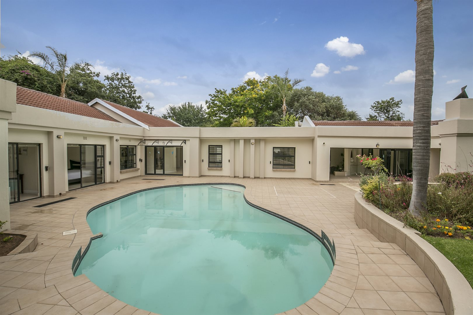 Property and Houses to rent in Fourways, House, 5 Bedrooms - ZAR , 38,00*,M