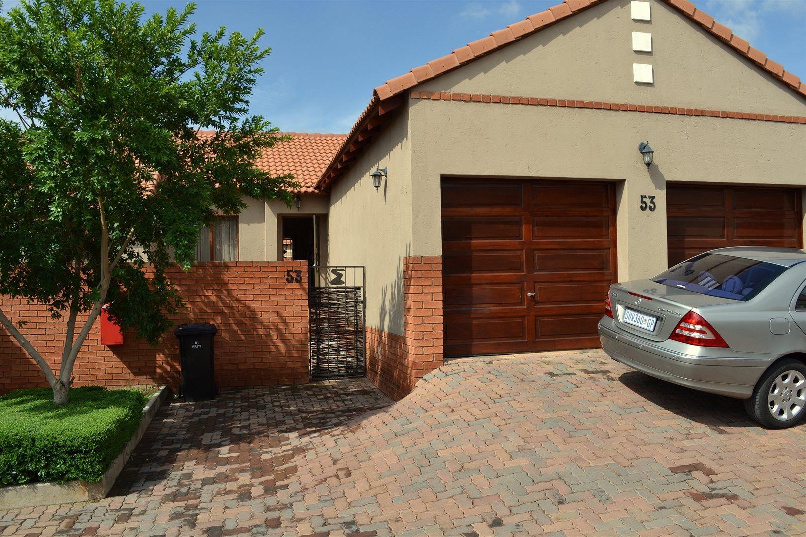 Pretoria, Rietvlei Ridge Country Estate Property  | Houses To Rent Rietvlei Ridge Country Estate, Rietvlei Ridge Country Estate, Townhouse 2 bedrooms property to rent Price:,  9,00*
