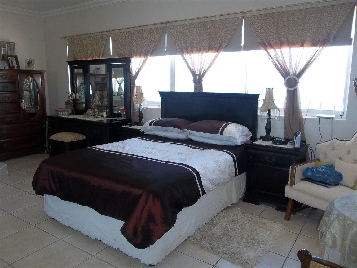Amanzimtoti property for sale. Ref No: 13400263. Picture no 2