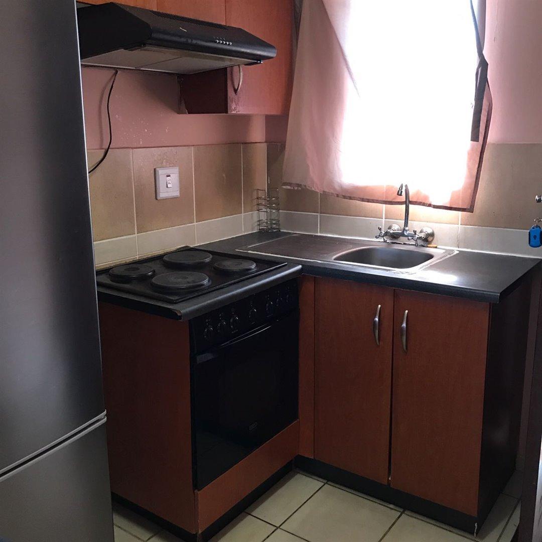 Brackenham property for sale. Ref No: 13481259. Picture no 5