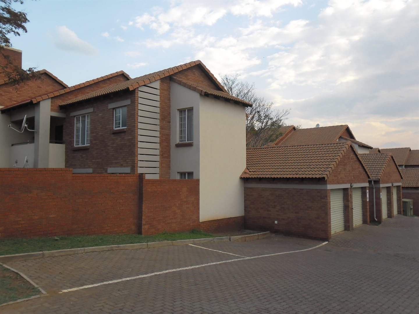 Die Hoewes property for sale. Ref No: 13552037. Picture no 1