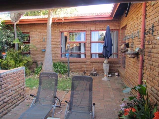 Elarduspark property for sale. Ref No: 13531289. Picture no 10