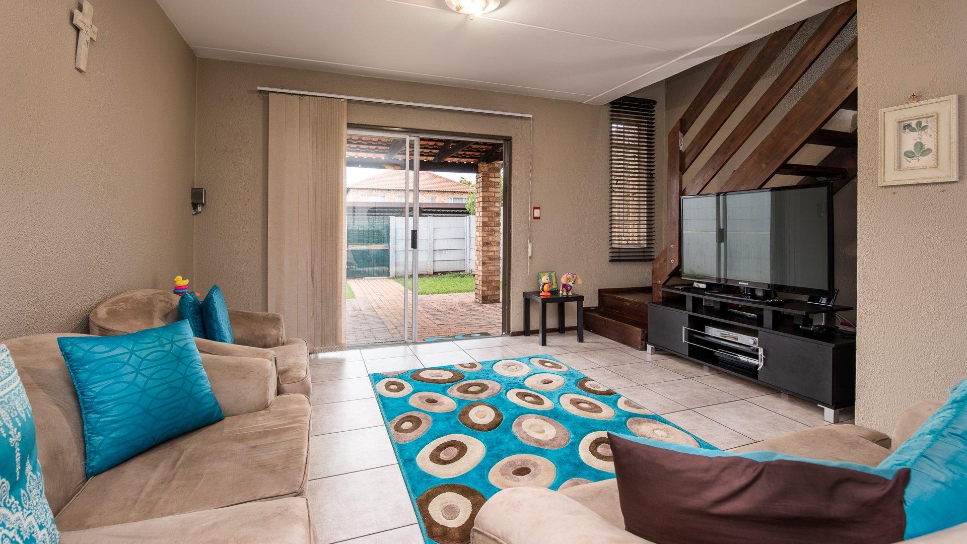 Randburg, Bromhof Property  | Houses For Sale Bromhof, Bromhof, Townhouse 2 bedrooms property for sale Price:850,000