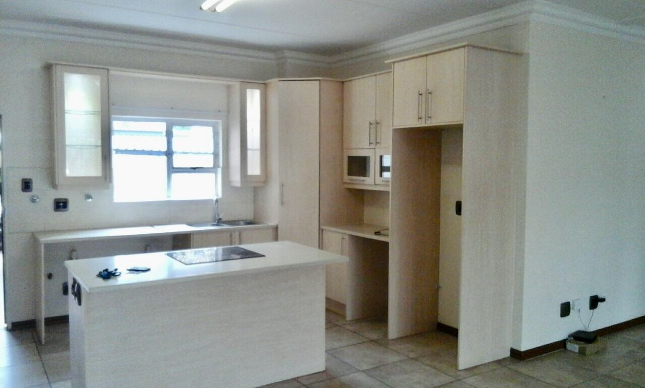 Johannesburg, Parkview Property  | Houses To Rent Parkview, Parkview, Townhouse 3 bedrooms property to rent Price:, 17,00*