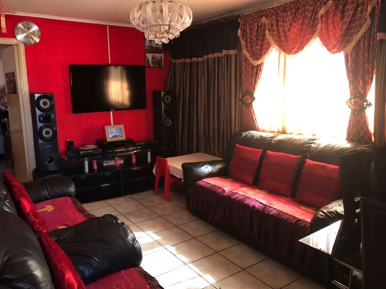 Brackenham property for sale. Ref No: 13492989. Picture no 6