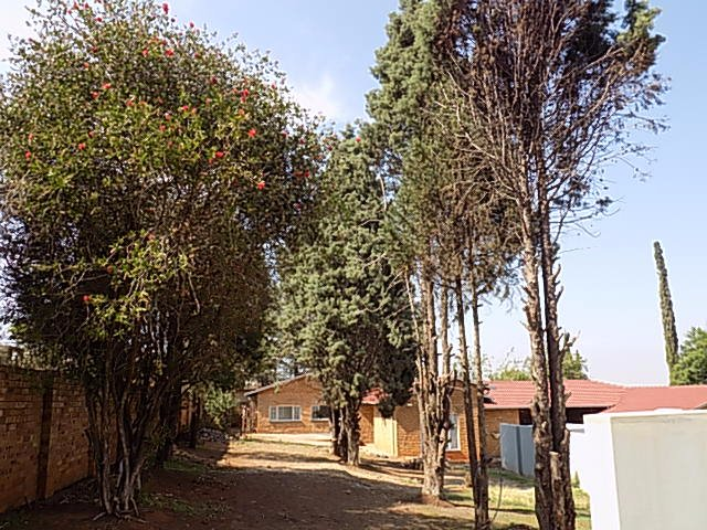 Naturena property for sale. Ref No: 13552045. Picture no 3
