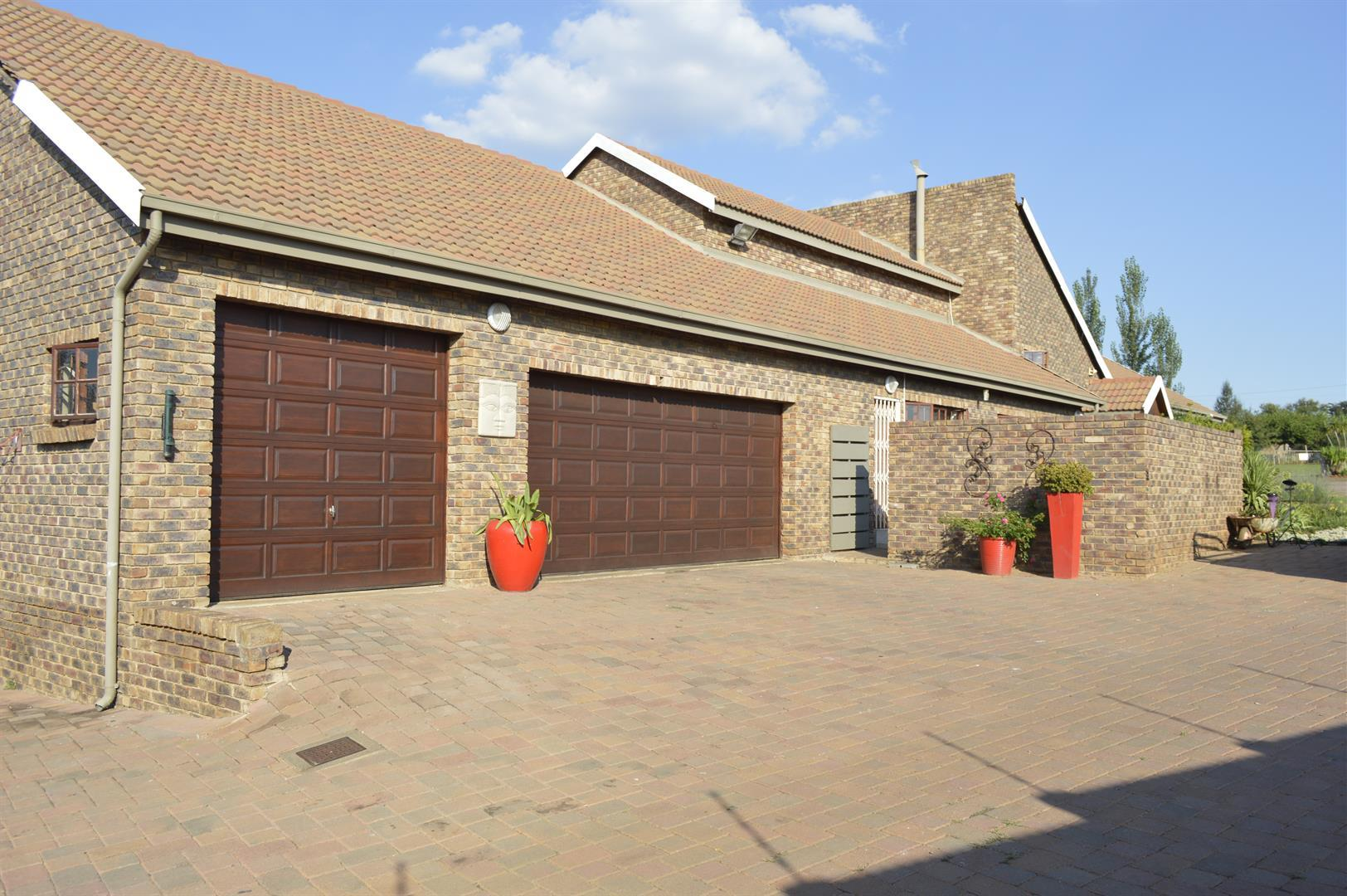 Raslouw A H property for sale. Ref No: 13442161. Picture no 24