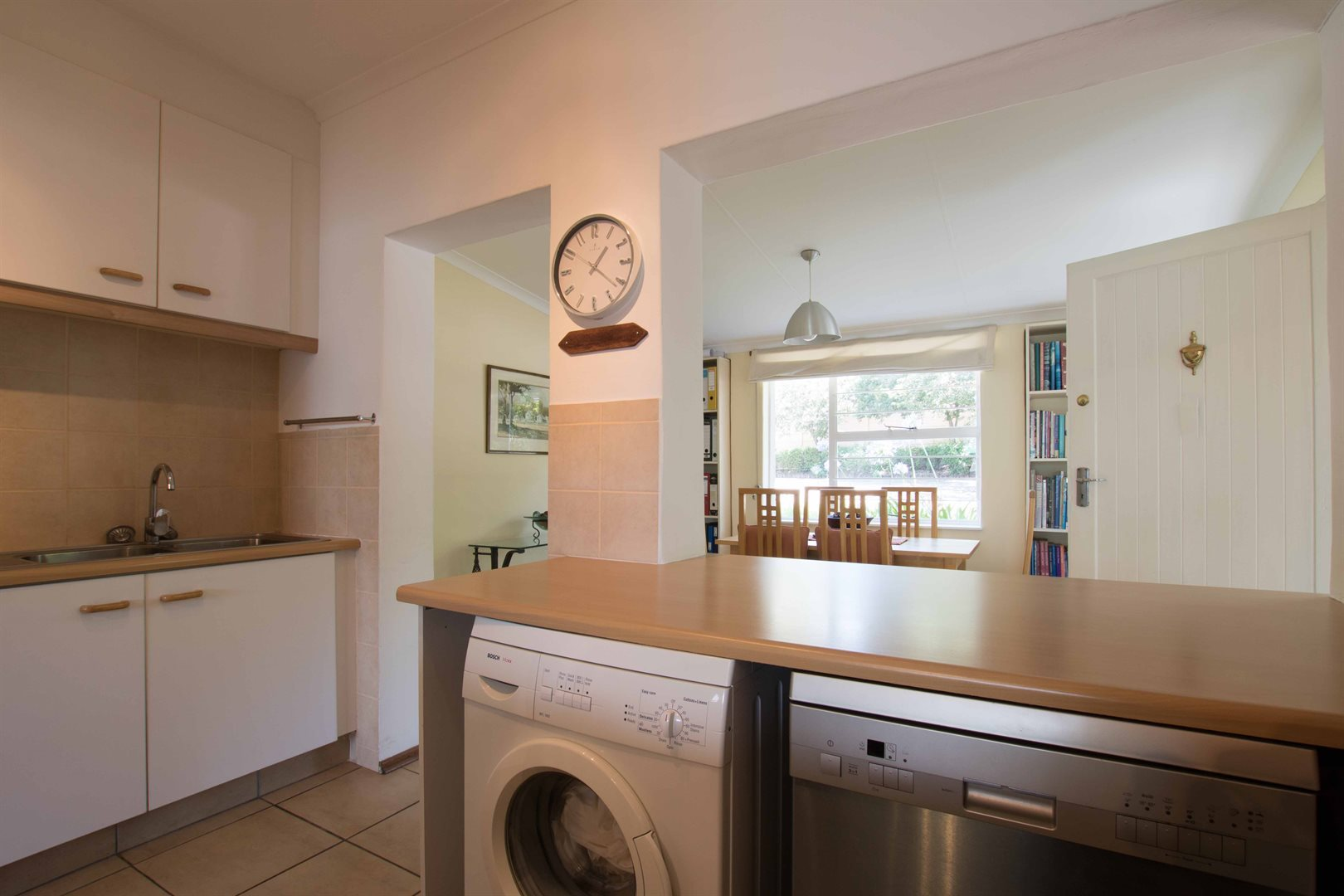 Lonehill property for sale. Ref No: 13566031. Picture no 3
