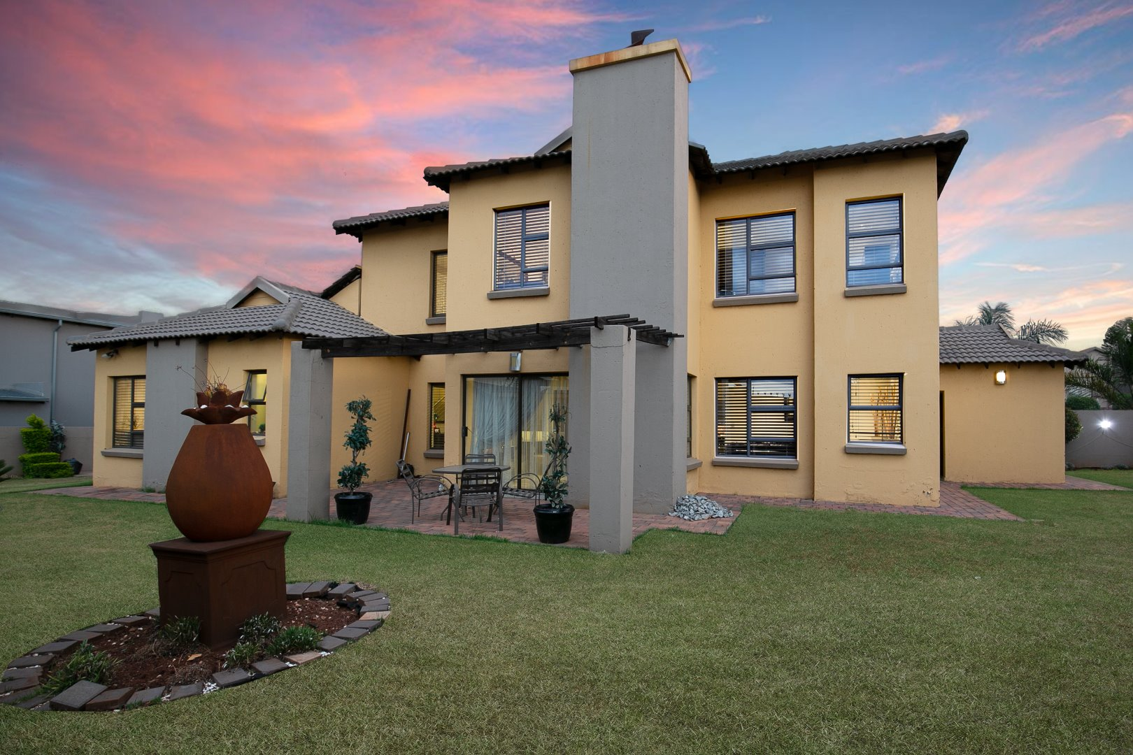 Property and Houses for sale in Raslouw Gardens, House, 4 Bedrooms - ZAR 2,895,000