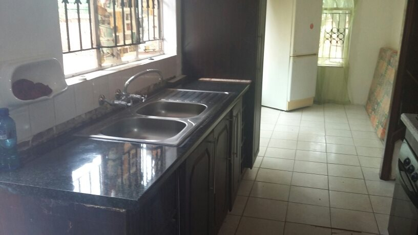 Theresapark property for sale. Ref No: 13564457. Picture no 4