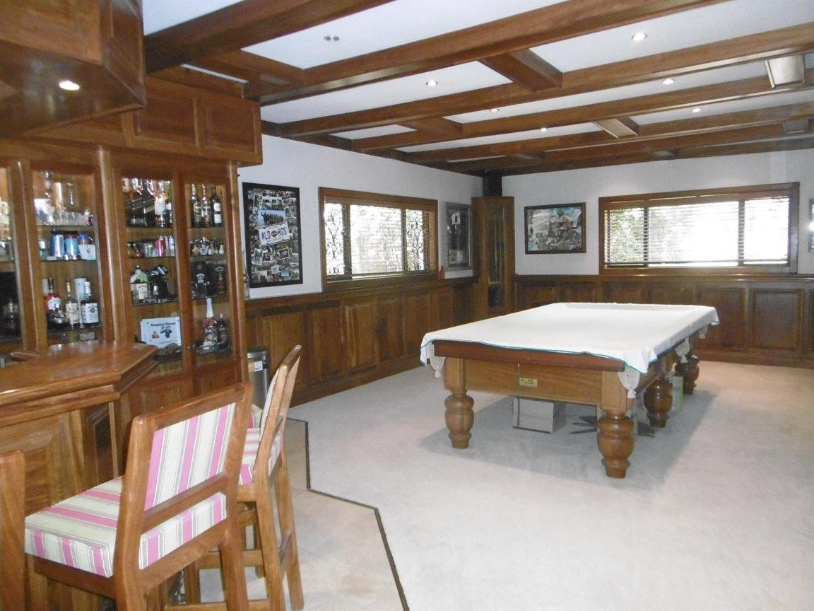 Bryanston property for sale. Ref No: 13389969. Picture no 17
