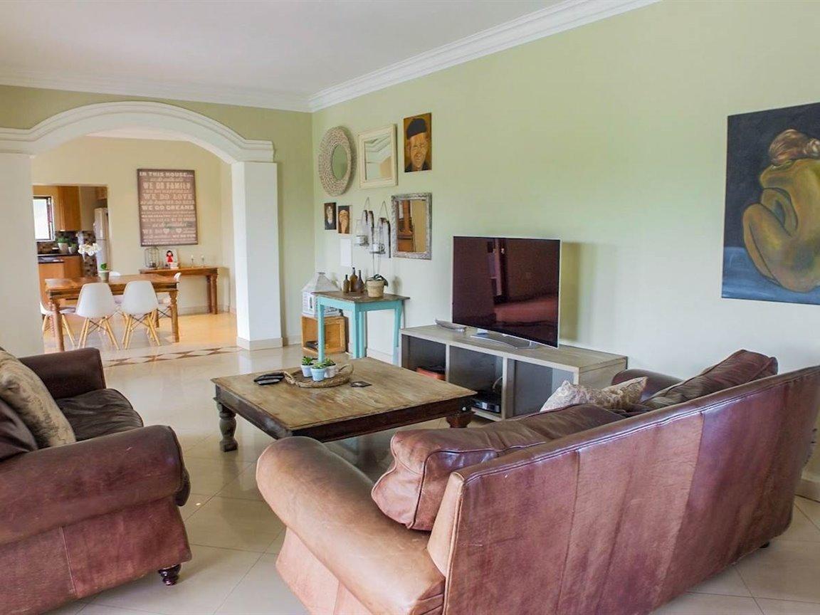 Irene Glen Estate property for sale. Ref No: 13411372. Picture no 17