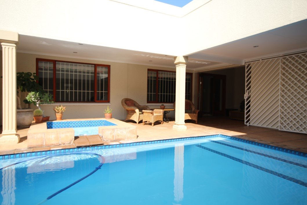 Three Rivers Proper property for sale. Ref No: 13338644. Picture no 29