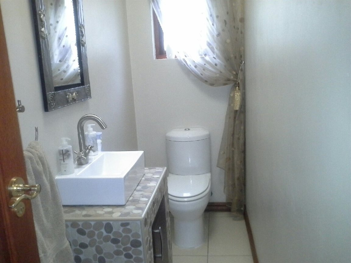 Meyerton Ext 6 property for sale. Ref No: 12769874. Picture no 11