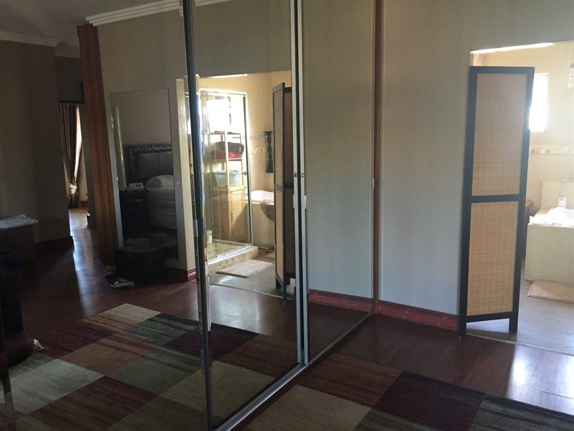 Midfield Estate property for sale. Ref No: 13288494. Picture no 3