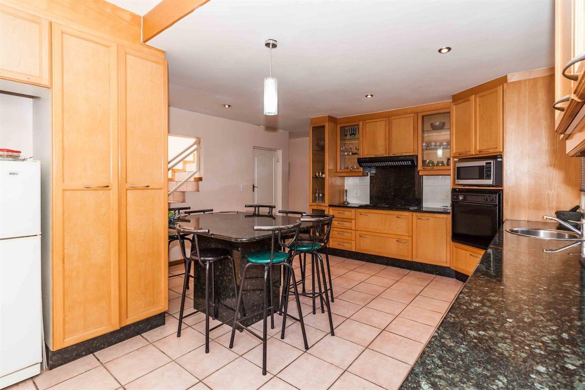 Erasmia property for sale. Ref No: 13400076. Picture no 9