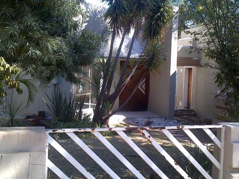 Property and Houses for sale in Theresapark, House, 3 Bedrooms - ZAR 1,550,000