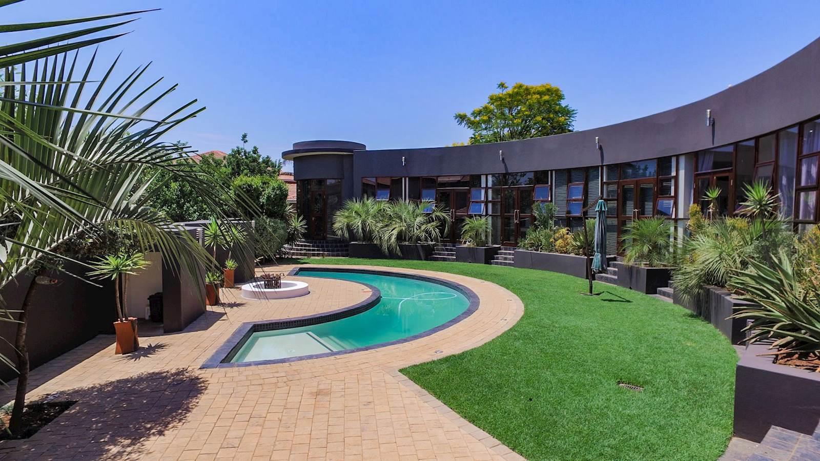Midstream Estate property for sale. Ref No: 13435299. Picture no 19