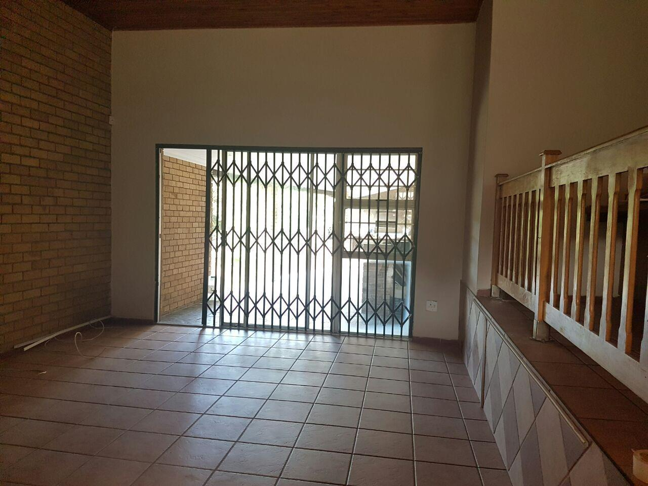 Birdswood property to rent. Ref No: 13441054. Picture no 15