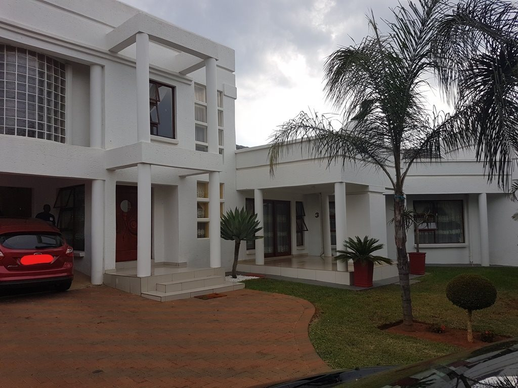 Property and Houses for sale in Chantelle, House, 4 Bedrooms - ZAR 2,462,000
