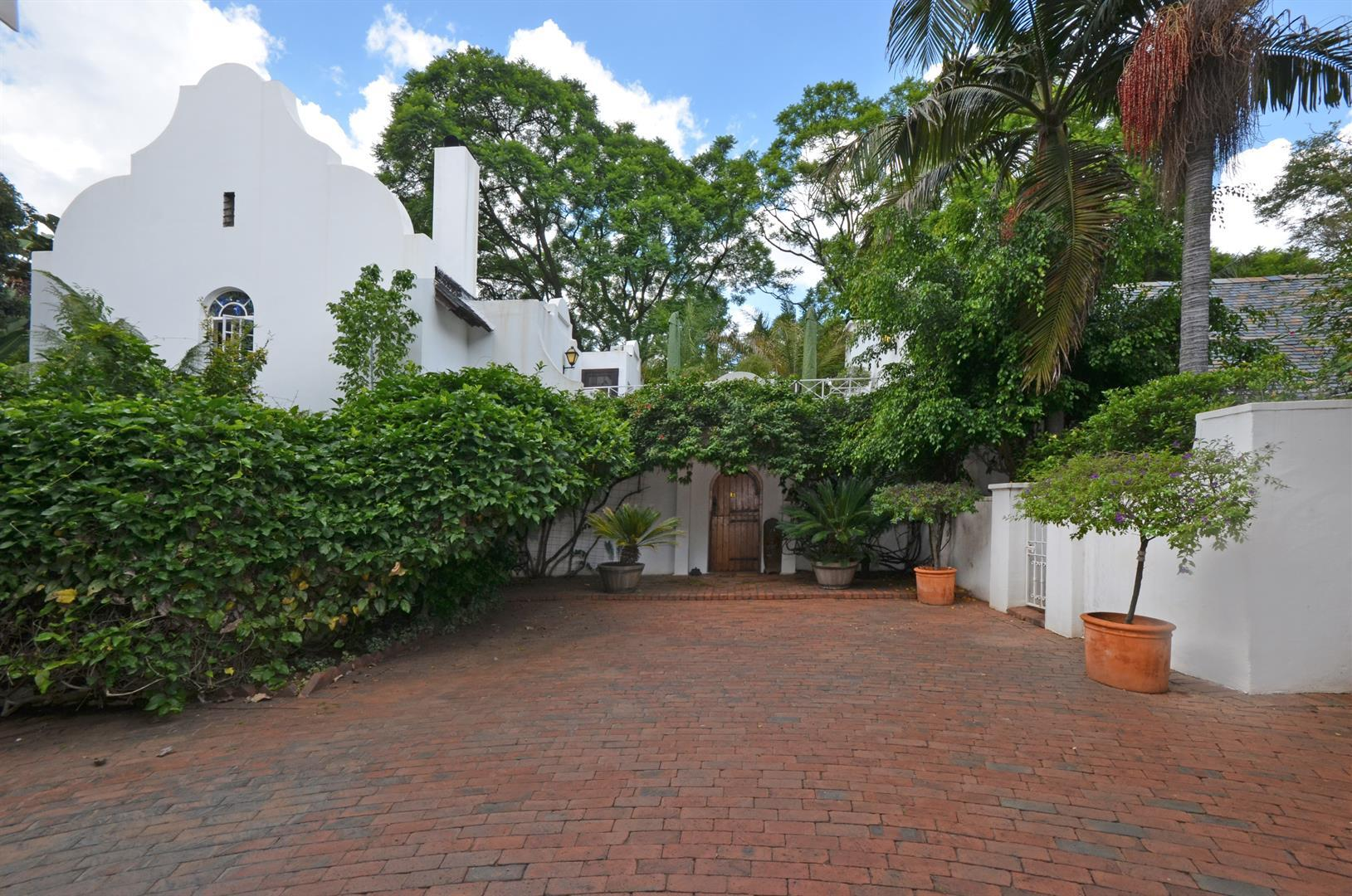 Sandton, Illovo Property    Houses For Sale Illovo, Illovo, House 3 bedrooms property for sale Price:7,000,000