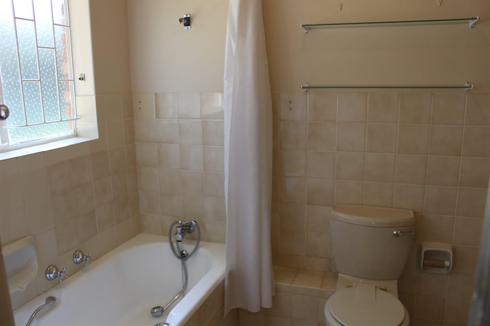 Waterkloof Ridge property to rent. Ref No: 13539553. Picture no 20