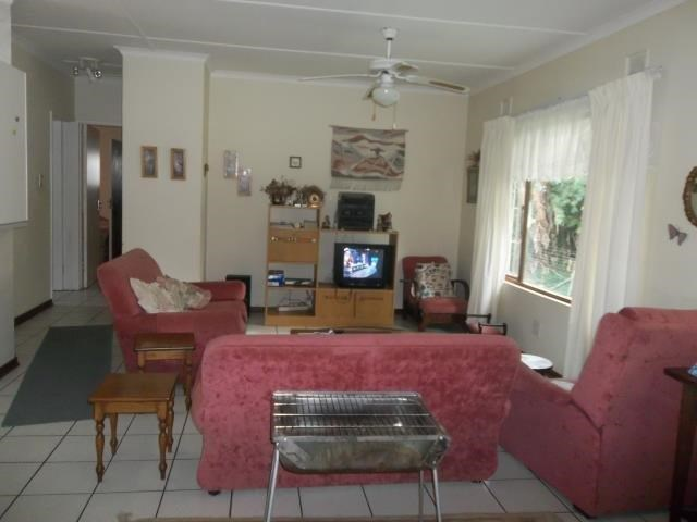Pennington property to rent. Ref No: 13500690. Picture no 4