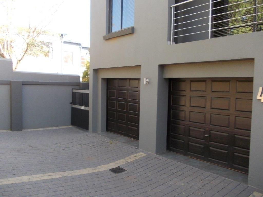 Property and Houses to rent in Gauteng, House, 6 Bedrooms - ZAR , 39,00*,M