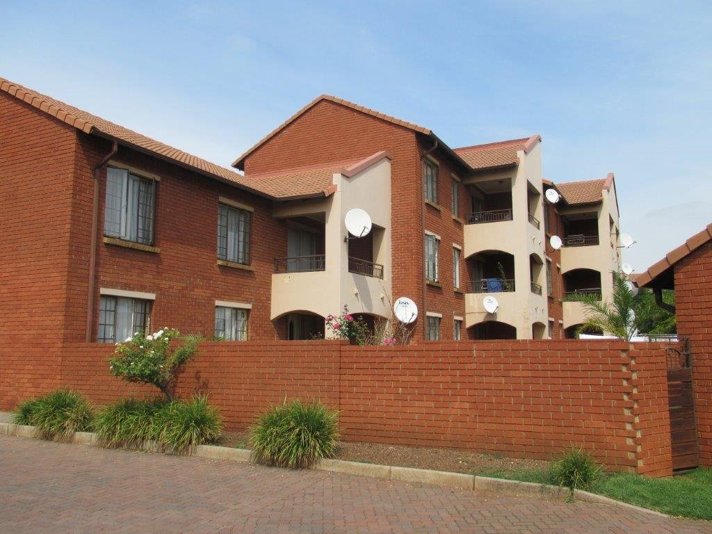 Centurion, Eco Park Estate Property    Houses For Sale Eco Park Estate, Eco Park Estate, Townhouse 2 bedrooms property for sale Price:799,000