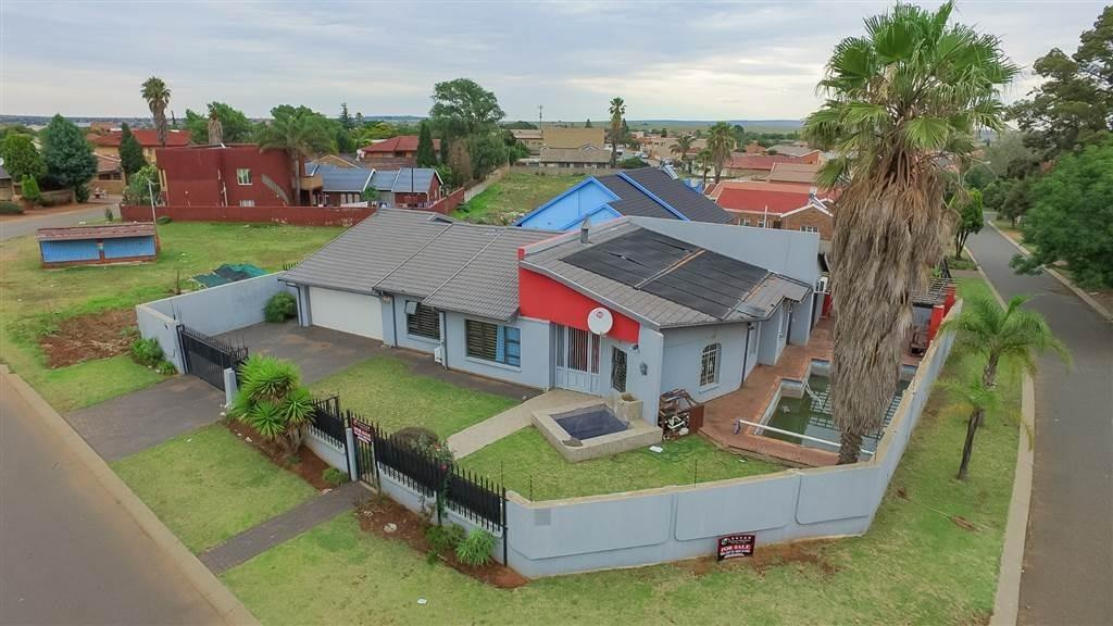 Johannesburg, Lenasia South Property  | Houses For Sale Lenasia South, Lenasia South, House 3 bedrooms property for sale Price:1,495,000