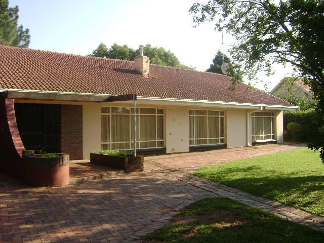 Three Rivers property for sale. Ref No: 13375540. Picture no 2